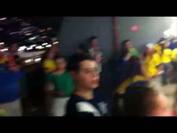 Torcida vibra com a Seleção no Maracanã - 30/06/2013
