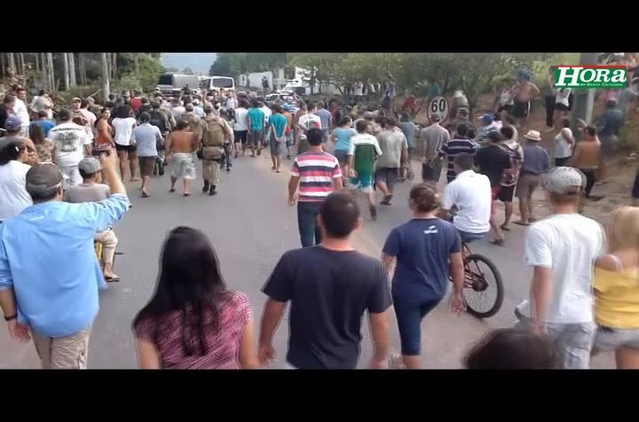 Polícia controla conflito com moradores e integrantes da Ocupação Amarildo em desocupação no Rio Vermelho