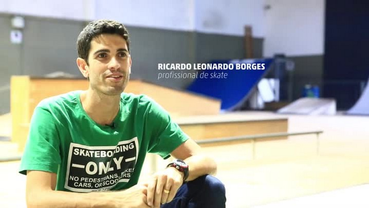 Professor de educação física e skatista profissional, Ricardo Borges cria método para ensino do esporte