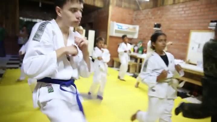 Taekwondo encaminha jovens para um futuro melhor