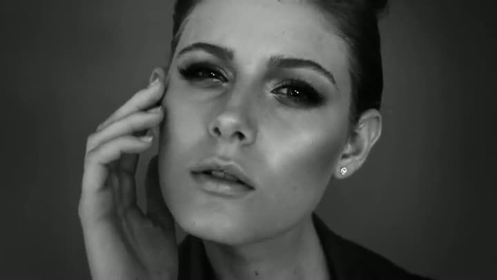 Especial - FASHION FILM DONNA DC