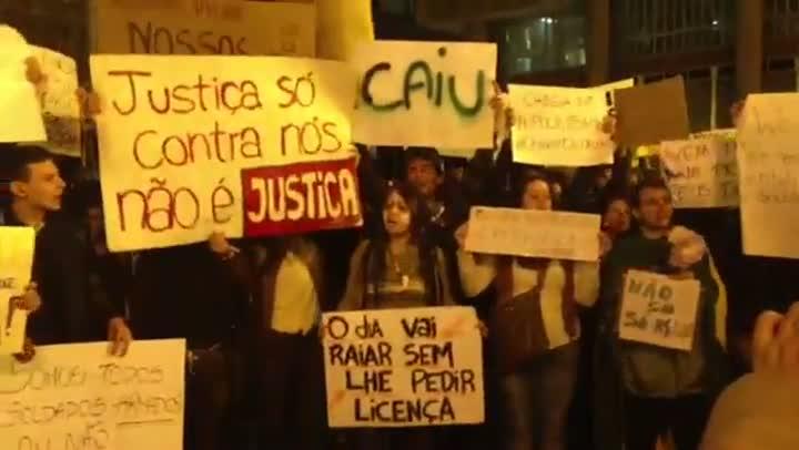 Começa a manifestação em Porto Alegre - 17/06/2013