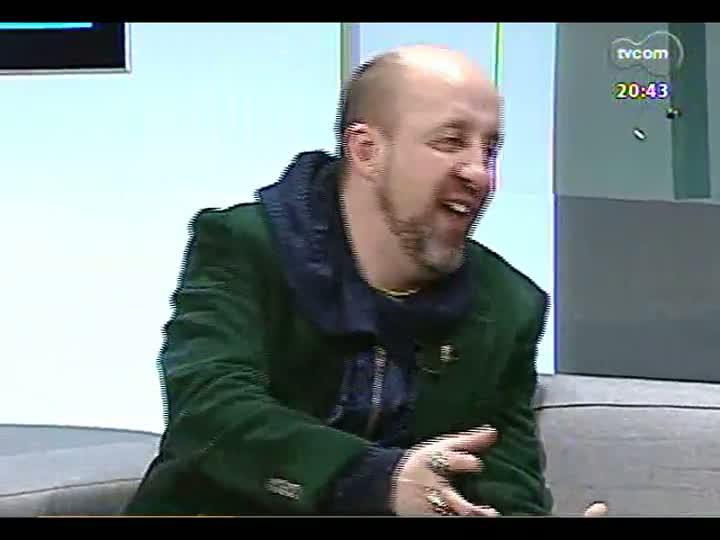 TVCOM Tudo Mais - DRnaTV: Fabrício Carpinejar conversa sobre amores e relacionamentos