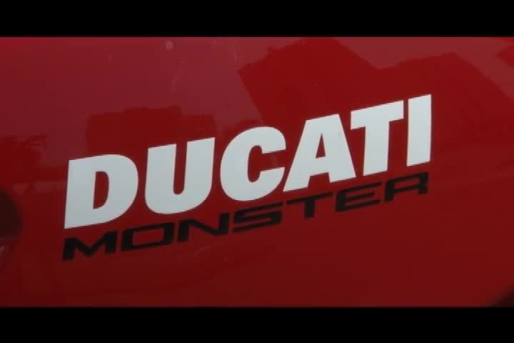 Carros e Motos - Confira o teste drive de Renato Gava com a Ducati Monster - Bloco 2 - 29/09/2013