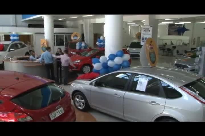 Carros e Motos - A equipe faz um giro pelas concessionárias para conferir os lançamentos - Bloco 3 - 03/11/2013