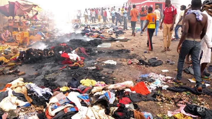 17 vidas na França valem mais do que 2 mil na Nigéria?