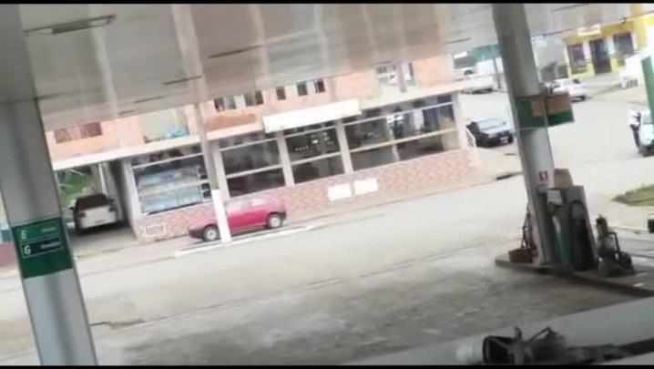 Homens armados fazem moradores reféns durante assalto a banco em Timbó Grande