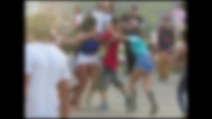 VÍDEO mostra briga entre adolescentes no Parcão, em Cachoeirinha