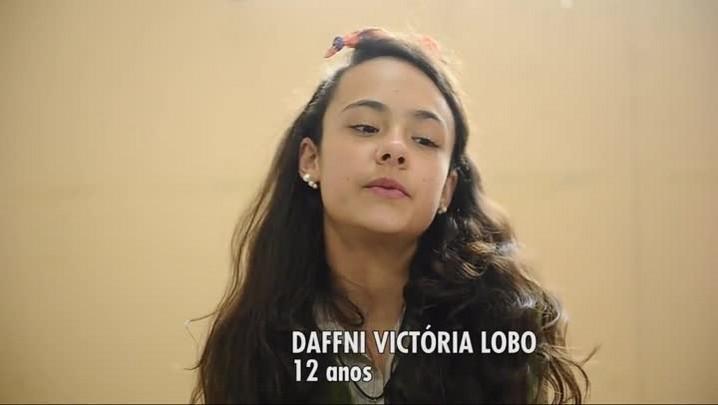 """Crianças da ONG Anjos Voluntários, de Caxias, dão lição contra o racismo no \""""Criança Esperança\"""""""