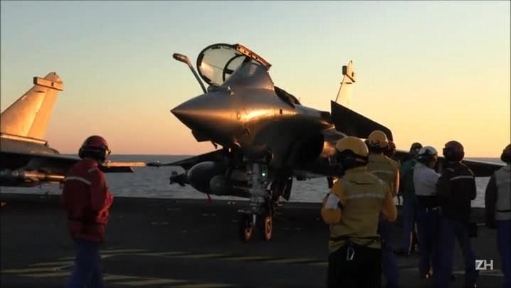 França mobiliza caças para batalha contra EI