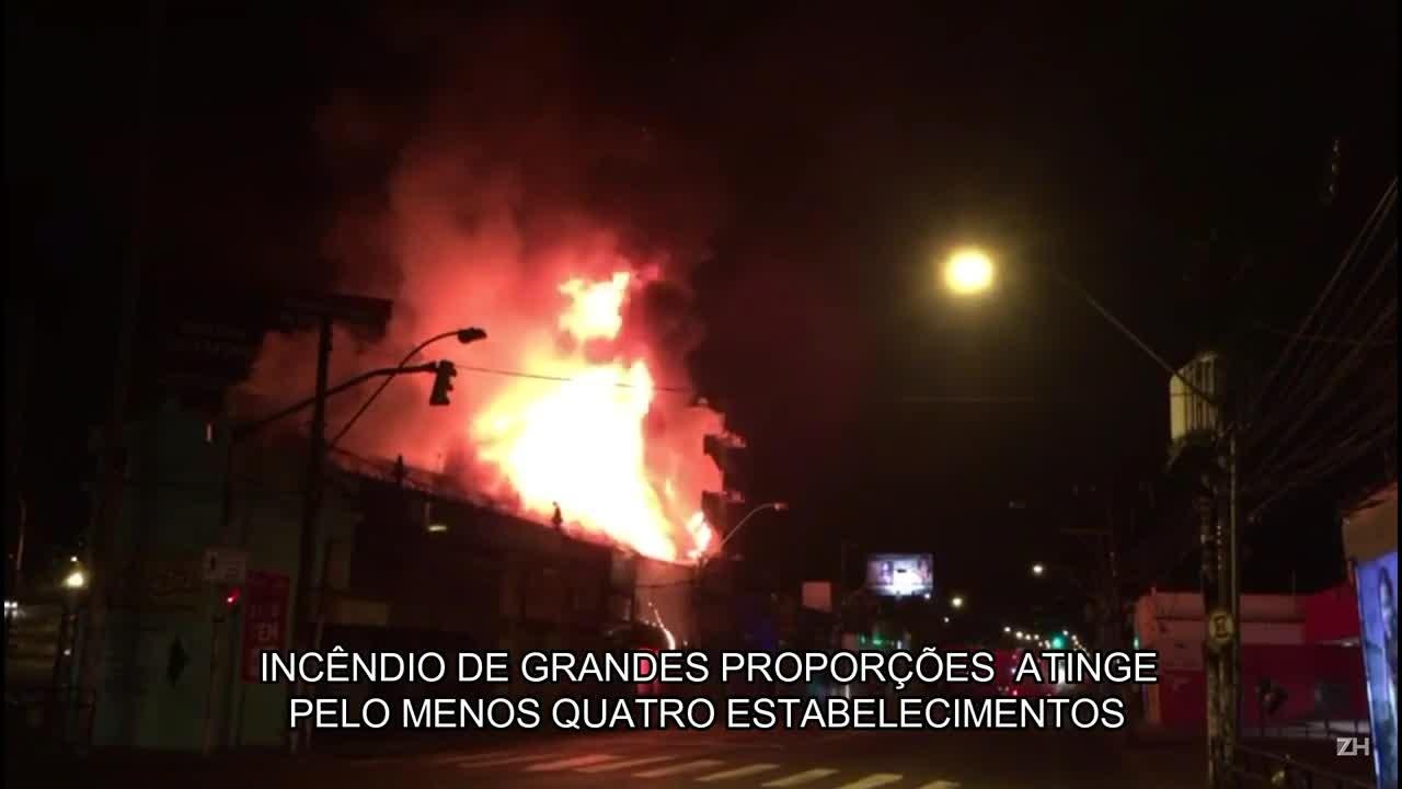Incêndio de grandes proporções atinge lojas na Avenida da Azenha