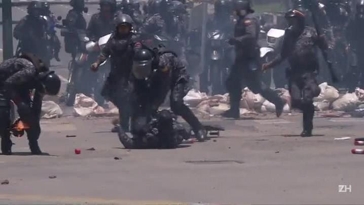 Policiais feridos e políticos mortos na Venezuela