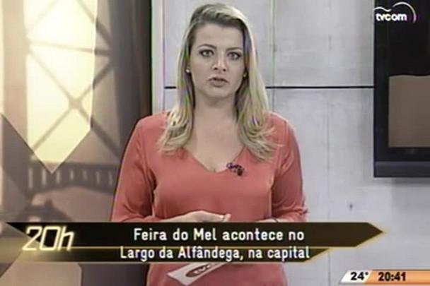 TVCOM 20 Horas - Feira do Mel acontece no Largo da Âlfandega, na capital/ Bairros de Itajaí recebem 10 apresentações teatrais gratuitas - 10.06.15