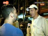 #PortoA - Despedida do Ildo, o mais querido garçom da Lancheria do Parque, reúne centenas de pessoas na Osvaldo Aranha