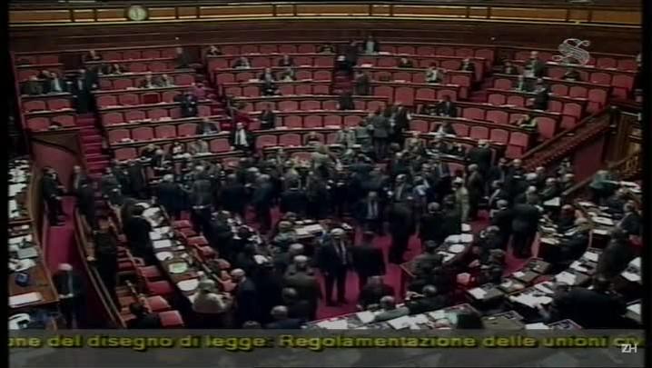 Senado italiano aprova união gay