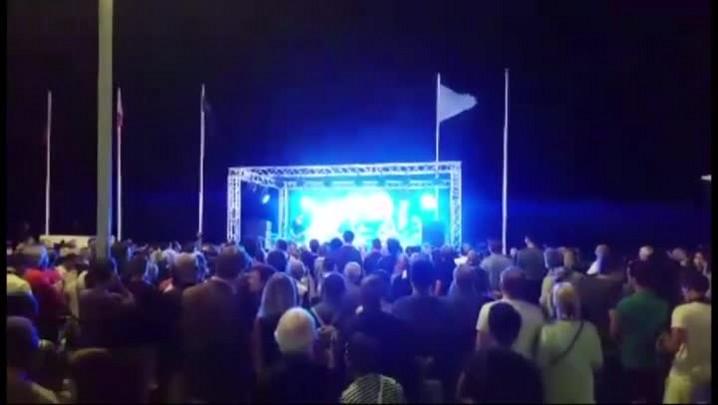 Brasileiro registra a festa nas ruas de Nice minutos antes do atentado