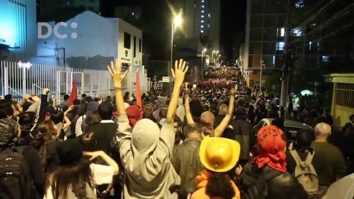 Momentos do protesto contra Temer em Florianópolis