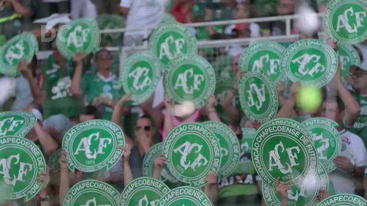 Chapecoense x Palmeiras: confira momentos do jogo que reuniu homenagens às vítimas do acidente