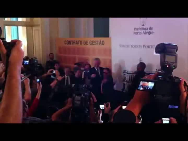 Carlos Villagrán é nomeado embaixador de Porto Alegre para Copa de 2014. 18/04/2013