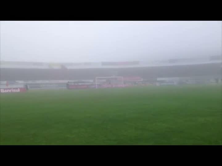 Inter x Vasco: Neblina atinge Estádio Centenário em Caxias do Sul. 07/07/2013
