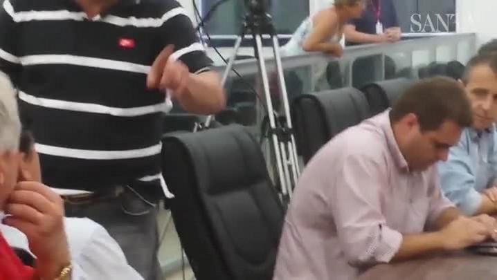 Vereadores Ivan Naatz e Célio Dias se alteram durante sessão na Câmara de Vereadores