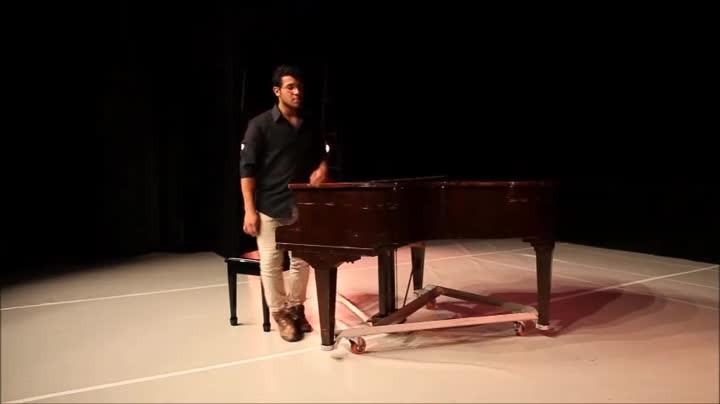 Pianista autodidata surpreende com excelência técnica e artística em Jaraguá do Sul