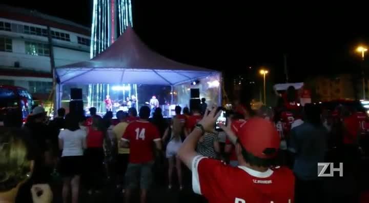 Banda Ataque Colorado comanda a festa no Beira-Rio