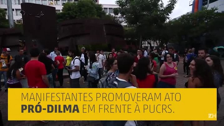 Manifestantes promovem ato pró e contra Dilma na PUCRS