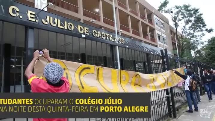 Estudantes ocupam Colégio Júlio de Castilhos em Porto Alegre