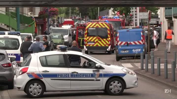 Padre é morto em tomada de reféns na França