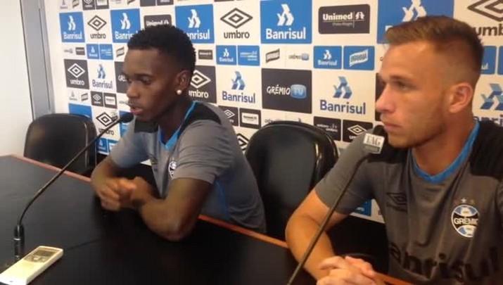 Lincoln e Arthur dão coletiva no CT Luiz Carvalho