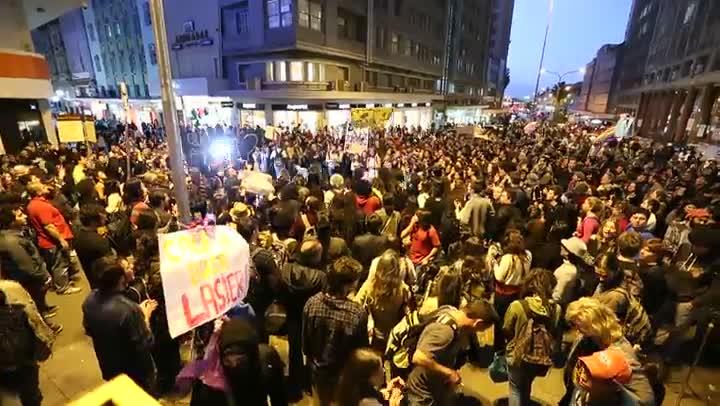 Uma semana após confronto com a Brigada, manifestantes retornam ao centro da Capital