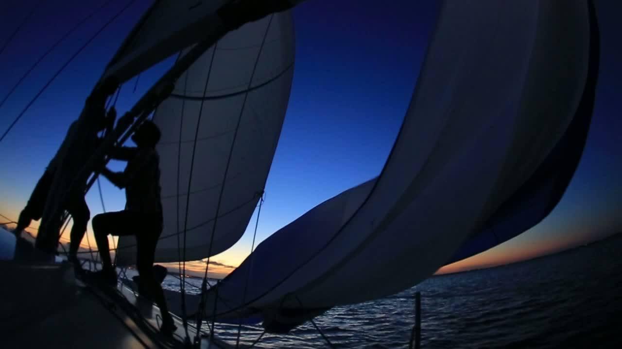 Velejaço Noturno - uma aventura náutica à vela