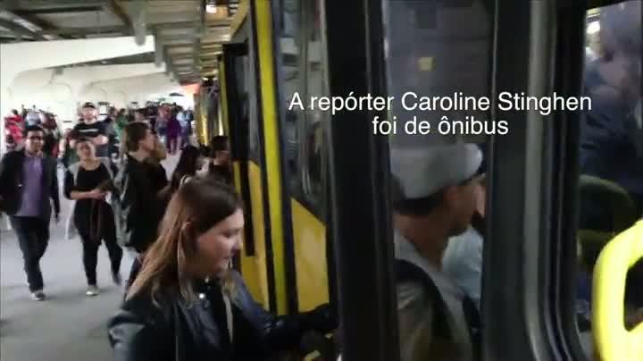 Equipe atravessa Joinville em quatro meios de transporte em horário de pico