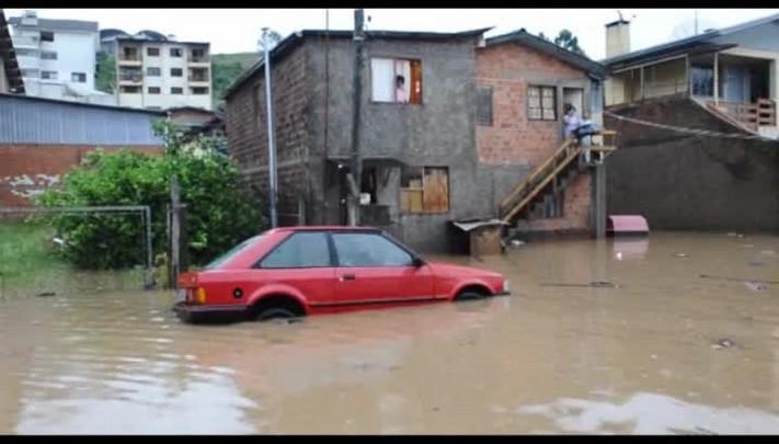 Alagamento no bairro São José, em Caxias