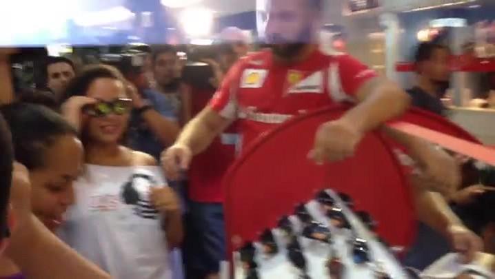Jovens realizam o primeiro rolezinho de Porto Alegre. 19/01/2014