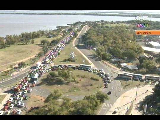 Plantão - Manifestações trancam trânsito na região central de Porto Alegre