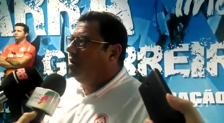 Carlos Pellegrini comenta derrota em clássico