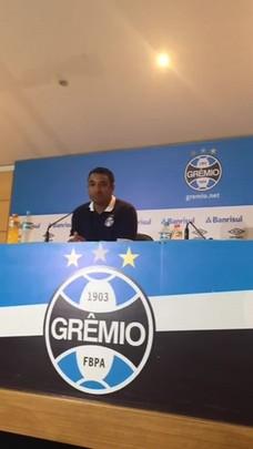 Roger elogia Fluminense após eliminação do Grêmio