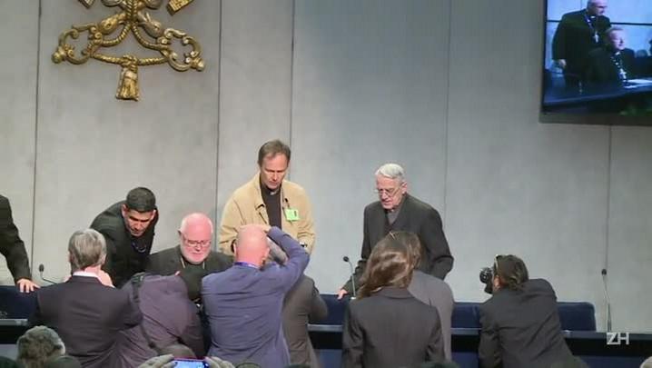 Vaticano nega tumor em Francisco