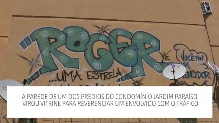 Pintura em condomínio no bairro Restinga lembra envolvido com tráfico