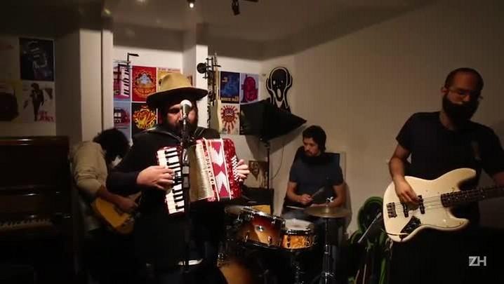 "Arthur de Faria & Orkestra do Kaos tocam \""Saudade da Maloca\"""