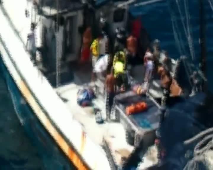 Pescador é resgatado em alto mar em São Francisco do Sul