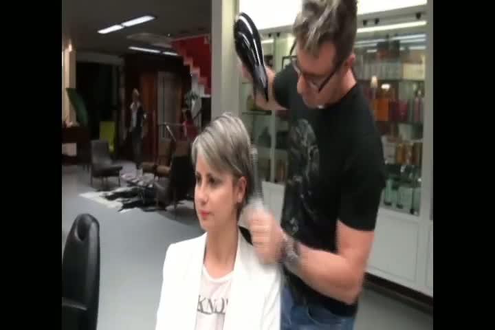 Aprenda a fazer penteado estilo clássico