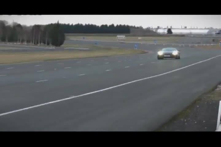 Carros e Motos - O Aston Martin V12 Vantage S e um test drive na pista off road da Savarauto - Bloco 1 - 22/09/2013