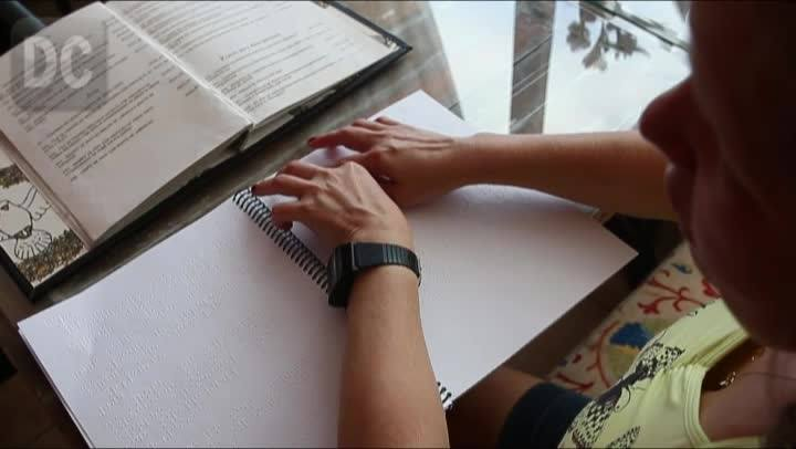 Poucos estabelecimentos de São José se adaptaram à lei que determina cardápios em braile