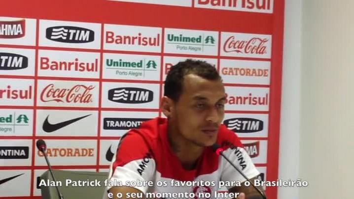 Alan Patrick fala dos favoritos no Brasileirão e seu momento no Inter. 17/04/2014