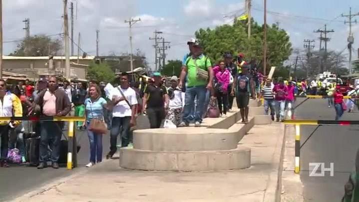 Venezuelanos e colombianos presos por fechamento da fronteira