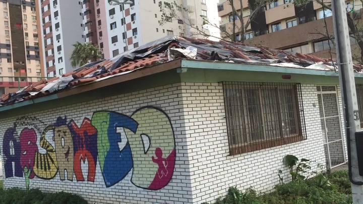 Assamed pede ajuda para reconstruir telhado