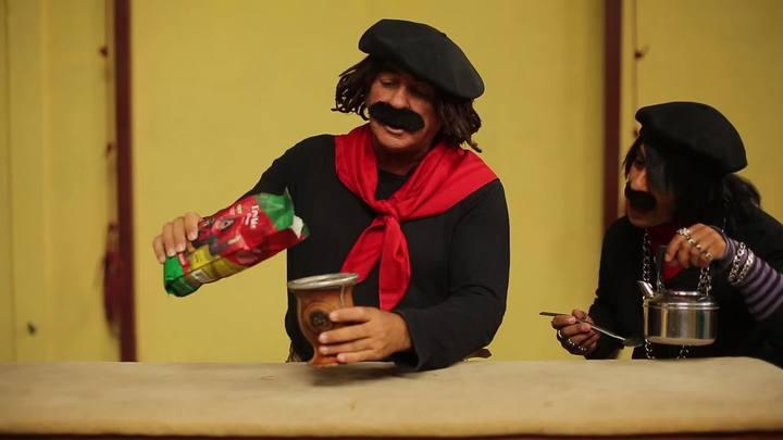 Guri de Uruguaiana ensina a fazer chimarrão em 10 segundos